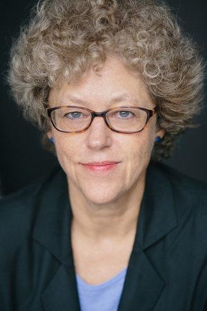 Photo of Leslie Kean