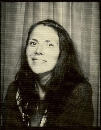 Photo of Julie Morstad