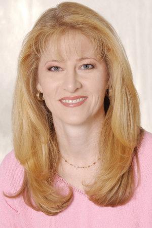 Photo of Laura Pedersen