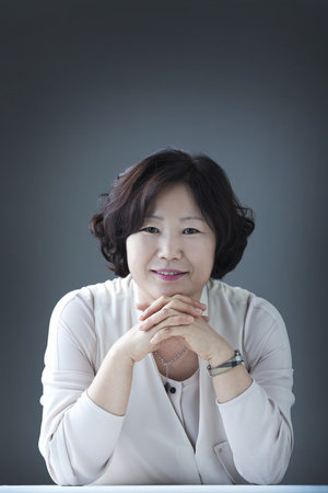 Photo of Sun-mi Hwang