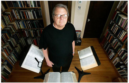 Photo of Garry Wills