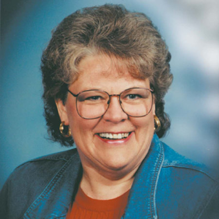 Photo of Lauraine Snelling