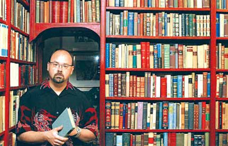 Photo of Carlos Ruiz Zafon