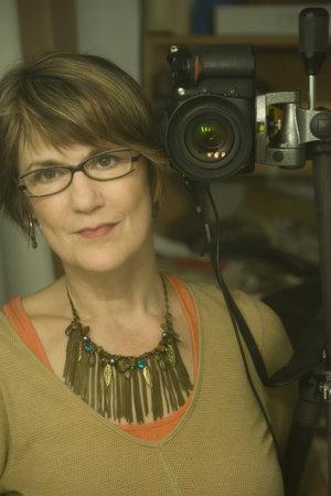 Photo of Lynn Saville