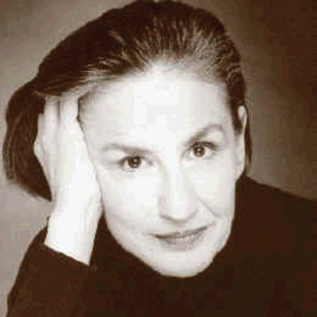 Photo of Lorna Raver