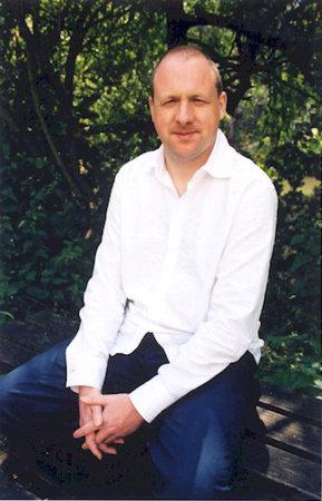 Photo of Tony Ballantyne