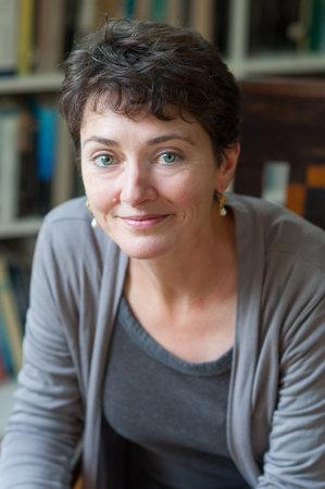 Photo of Annie Barrows
