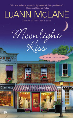 Moonlight Kiss by LuAnn McLane
