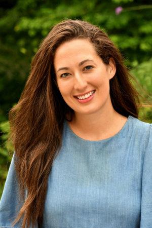 Photo of Emma Loewe