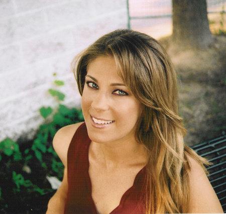 Photo of Alexandra Robbins