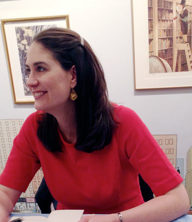 Photo of Lisa Graff