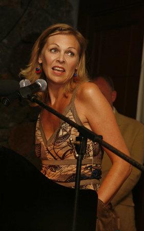 Photo of Louise Dean