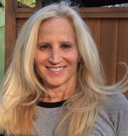 Photo of Leslie Schwartz