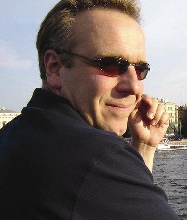 Photo of Erol Munuz