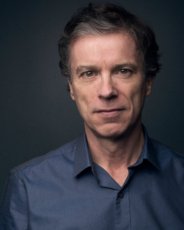 Photo of Simon Vance