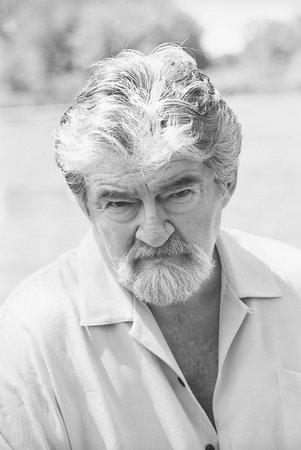 Photo of Joe Eszterhas