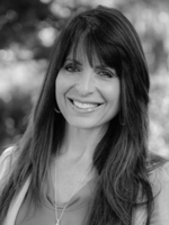 Photo of Lisa Bevere
