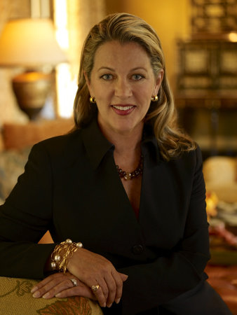 Photo of Suzanne Tucker