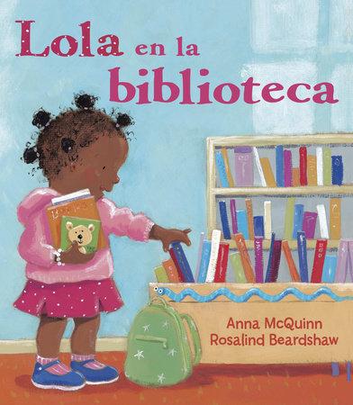 Lola en la biblioteca