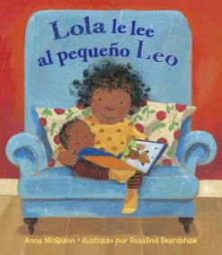 Lola le lee al pequeno Leo